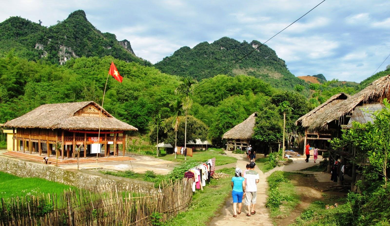 Kết quả hình ảnh cho thị trấn Mai Châu