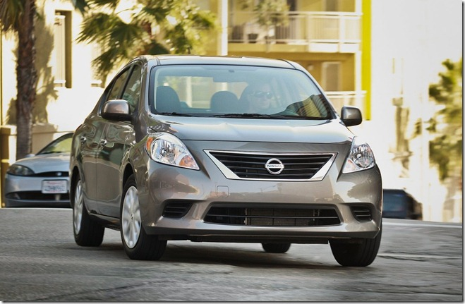 Nissan Versa [1]