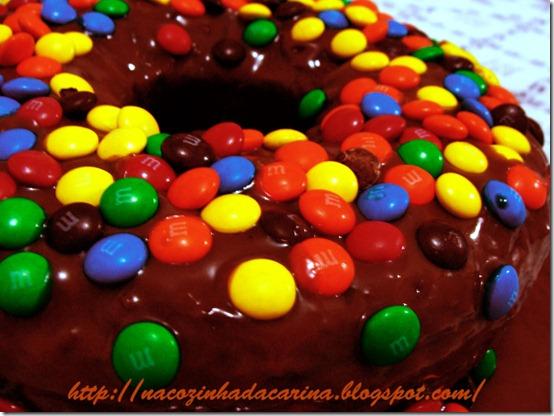Bolo-de-Chocolate-com-MM`s-03