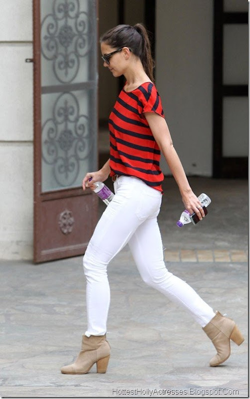 Katie Holmes Hot in Tight White Pants 4