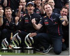 Webber e Horner festeggiano la vittoria del gran premio di Gran Bretagna 2012
