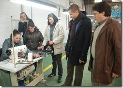 Juan Pablo de Jesús visitó los talleres textiles de producción de zapatillas del Polo Industrial