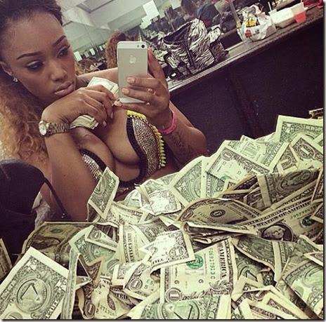 strippers-money-005