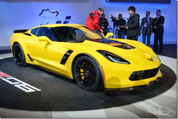 Corvette-Z06-front-three-quarter-at-NAIAS-2014