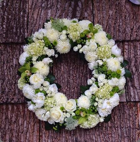 wreath floressence eatherley 10322447_724527374256096_4147969480390089991_n
