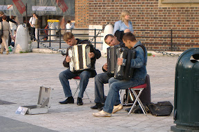 Krakow accordian players