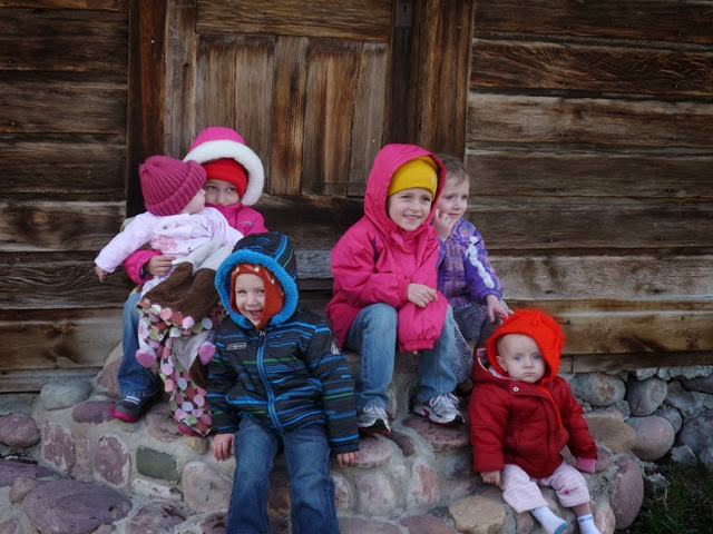 Spilker & Gneiting children at the schoolhouse (7F Ranch in Robertson, WY).