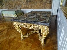 2014.09.07-014 plateau de table en pierre dure dans le cabinet diu conseil