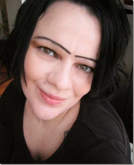 women-scary-eyebrows-053