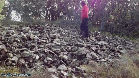 Derrumbe de muralla en el castro de Muruzar