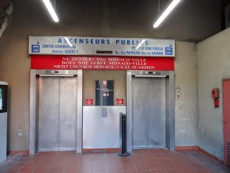 24. Lift public in Monaco.JPG