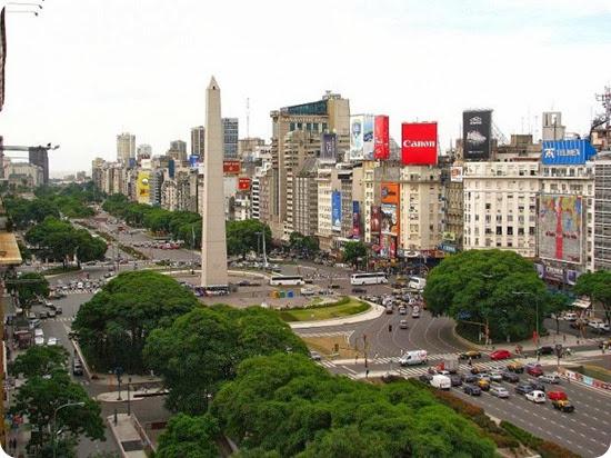 Buenos_Aires_La_Plaza_de_la_República_y_Obelisco_de_Buenos_Aires-660x495