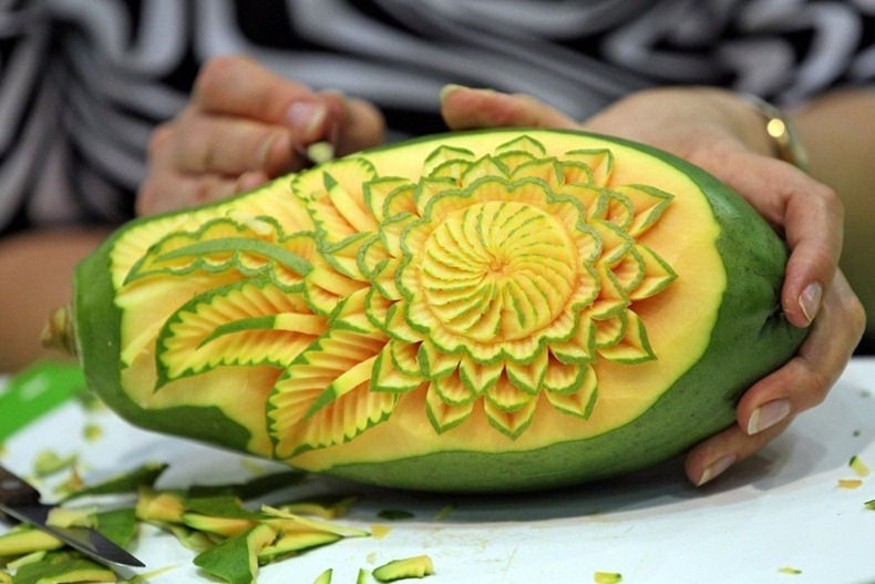 European vegetable carving championships amusing planet for Decoration culinaire