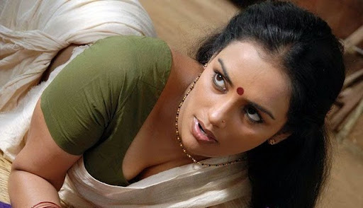 malayalam-dupped-movies-tharam-tamil-movie-desi-aunty-boobs-actress