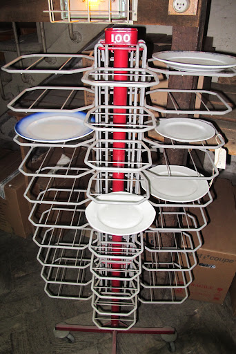 I love the architecture of this plate display rack.