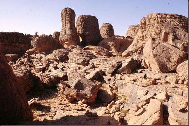 Tassili_rocks