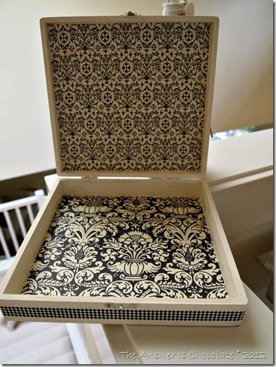 Paris Box Inside