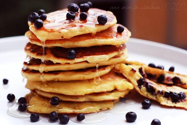pancakes cu coacaze