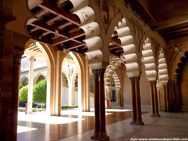 arcos-islamicos-aljaferia.JPG