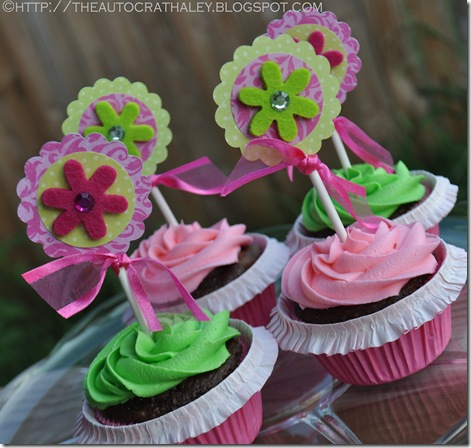 PINK AND GREEN CUPCAKES (2)