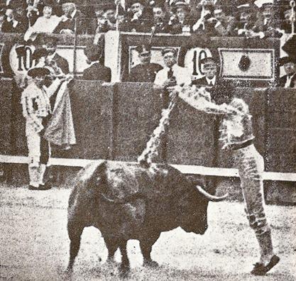 1914-05-03 (p. SyS) madrid Santa Coloma (3º) Joselito banderilla 001