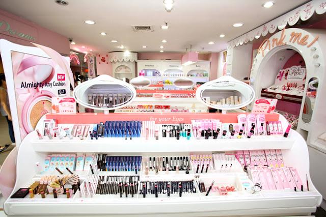Kết quả hình ảnh cho Cửa hàng mỹ phẩm Hàn Quốc.
