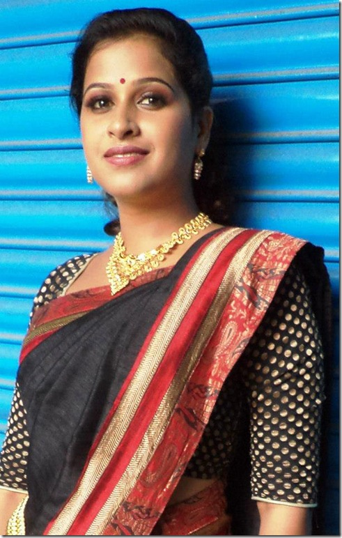sadhika_beautiful_pic_in_saree