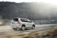 2014-Toyota-Land-Cruiser-Prado-04.jpg