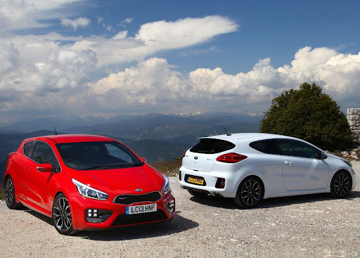 Yeni-Kia-Pro-Ceed-GT-2014-53.jpg