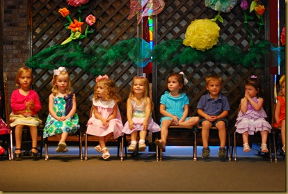 g 2 year old school play (9)