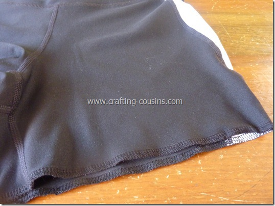 Make your own lap swim or triathlon suit tutorial from The Crafty Cousins (16)