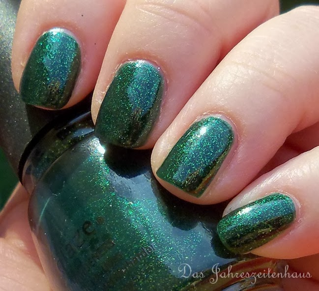 China Glaze Glittering Garland 3