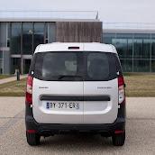 2013-Dacia-Dokker-Official-66.jpg