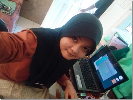 Siti Badriyah 225384_217377251625379_100000593160031_819166_5971649_n