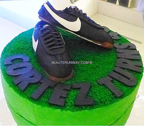 NIKE Singapore Sportshoes mens women kids boys girls  Malaysia, Indonesia, Thailand Philippines CORTEZ 40th Anniversary running shoes sneakers Sebastian Tay, Anne Qihui  female marathoner Nike athlete
