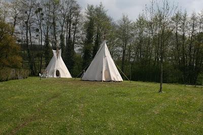 Tipi Exterieur 3 - Sur le camping Etang du Goulot