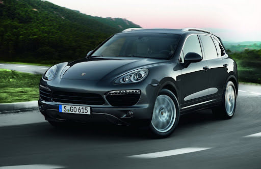 2013-Porsche-Cayenne-S-Diesel-05.jpg
