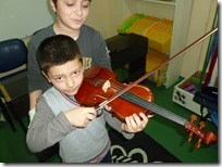 νήπια 2 _ γνωριμία με το βιολί (4)
