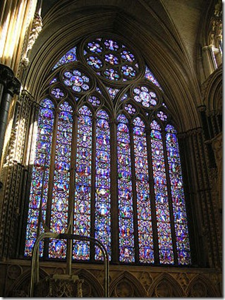 300px-Lincoln_cathedral_17_Eastwindow