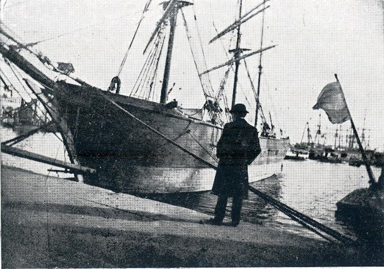 El GALOFRÉ en el puerto de Barcelona. Del libro LA MARINA CATALANA DEL VUITCENTS.jpg