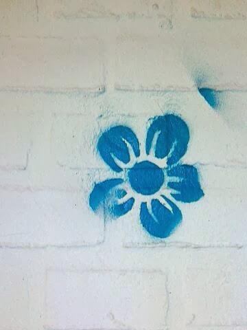 Blume Stencil