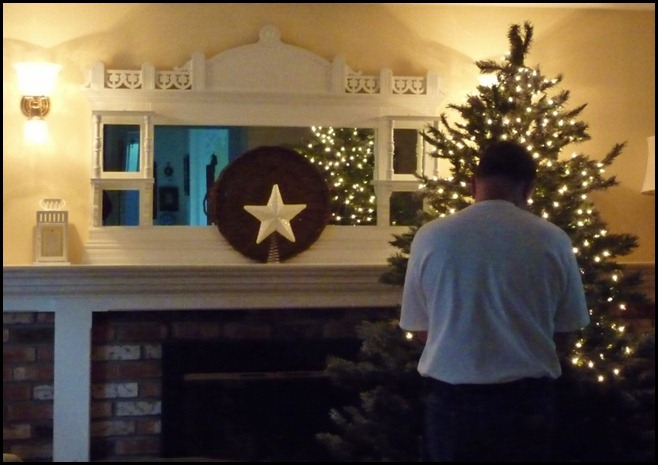 Doug putting on the lights 2012 001 (800x563)