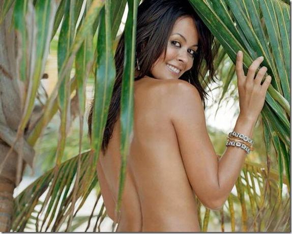 Brooke-Burke-topless-3