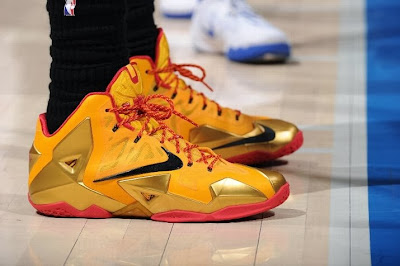 lebron james nba 140205 mia at lac 02 King James Wears LeBron 11 Fairfax Away PE in Los Angeles