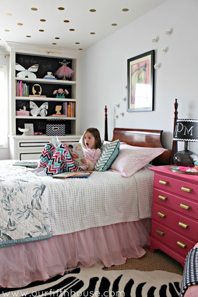 girls pink and gold bedroom