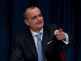 Gérard Araud, Représentant permanent de la France auprès des Nations unies, répond à la presse. Photo: FranceONU/Juliette Charvet www.juliettecharvet.com