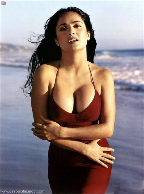 salma hayek linda sensual sexy sedutora gostosa peituda boob tits desbaratinando  (63)