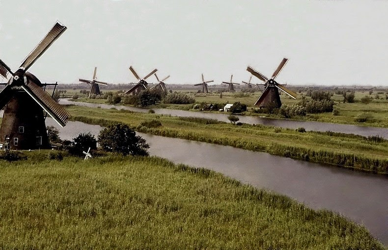 windmills-of-kinderdijk-2