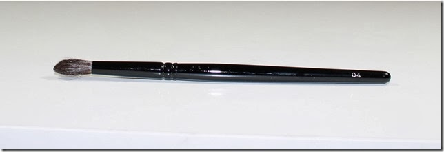 Wayne Goss Makeup Brush 04