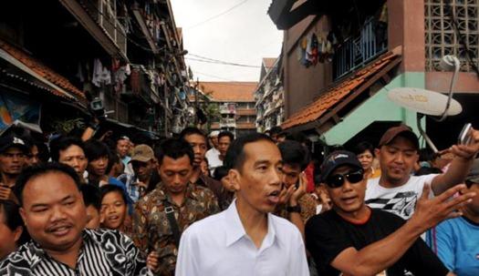 Jokowi Usir Warga Rusun Yang Punya Mobil